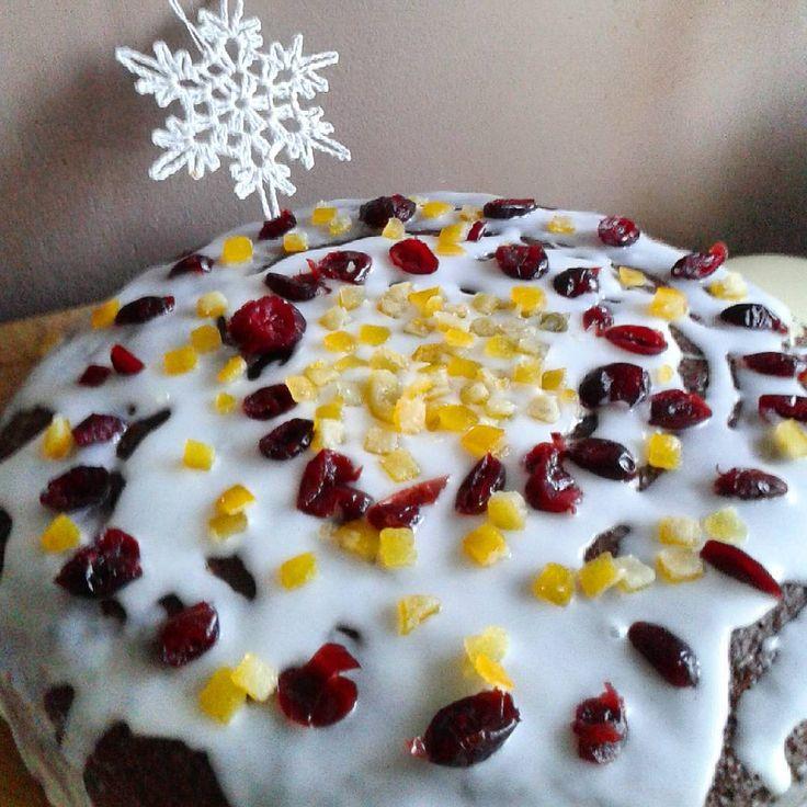 Mój piernik gotowy.Prezentuje się nawet no i wszystko zrobiłam sama...#piernik #ciasto #lukier #śnieżynka #miłegopopołudnia #cookie #handmadecookie #yummy #christmascookie #печенье #пряничноепеченье #вкусняшка