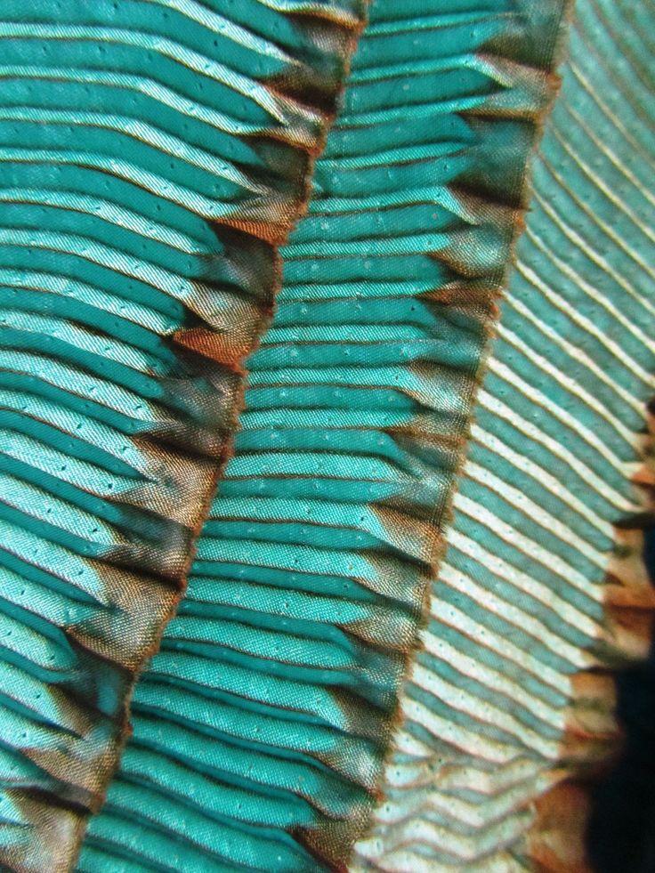 Shibori tissu pliss et teint en bleu turquoise shibori and tie dye pint - Tissus bleu turquoise ...