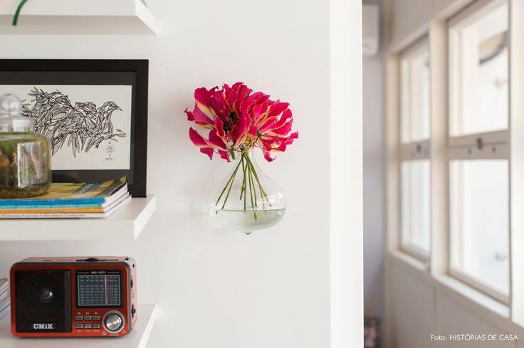10-decoracao-apartamento-pequeno-vaso-de-parede-vidro