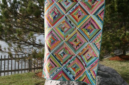 She makes such fun quilts.  This one has a cool tutorial about making string quilt blocks with paper.  try it!: Patchwork, Quilting Ideas, Quilt Ideas, Quilting Tutorials, Quilts Quilting, Quilt Block, Scrap, String Quilts