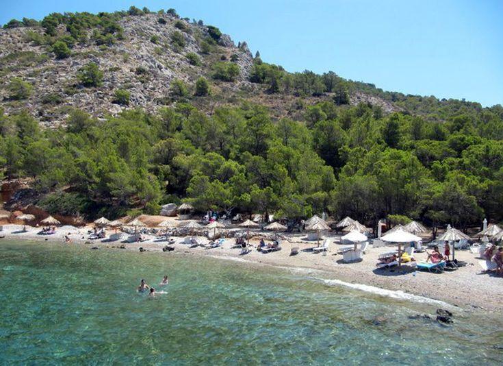 Hydra - Bisti Beach  by www.hydra.gr/en/