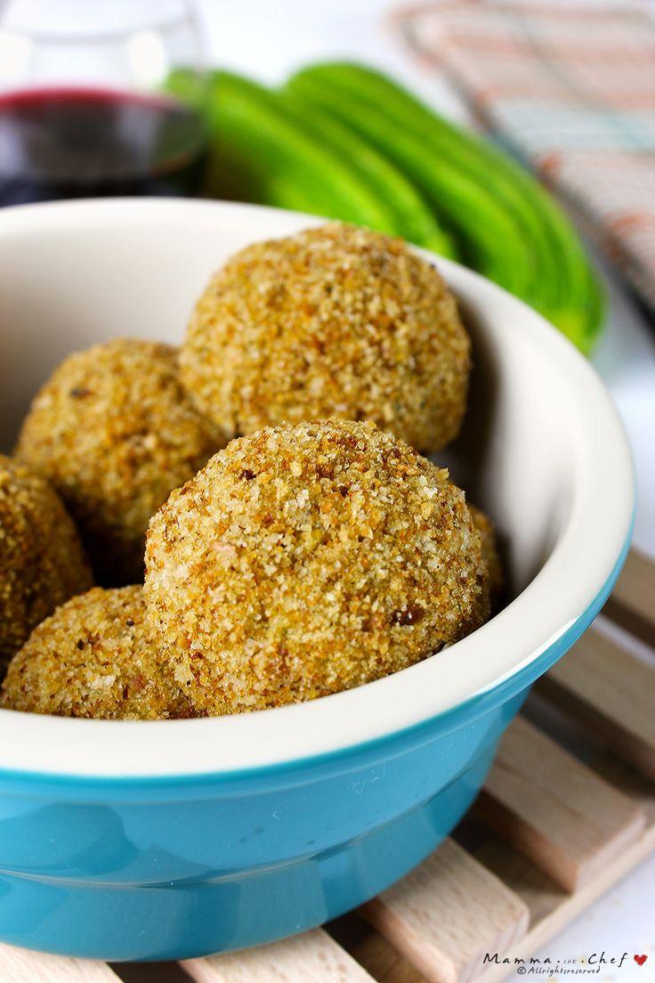 I bocconcini di patate, zucchine e porri sono delle deliziose e saporite crocchette di patate arricchite con zucchine e porri. Facili da preparare, ideali da gustare come finger food.