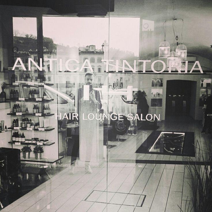Il nostro salone sul Lungarno Delle Grazie14 16r a Firenze  Vi aspettiamo