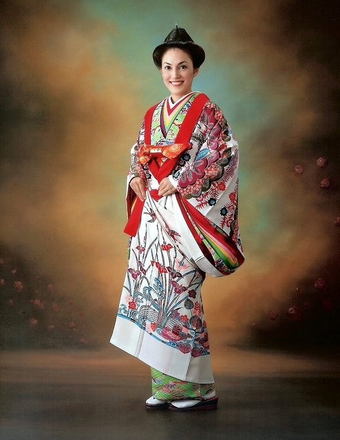 KIMONO FUN in OKINAWA, JAPAN -- A Royal Okinawan Bingata Kimono by Okinawa Soba, via Flickr