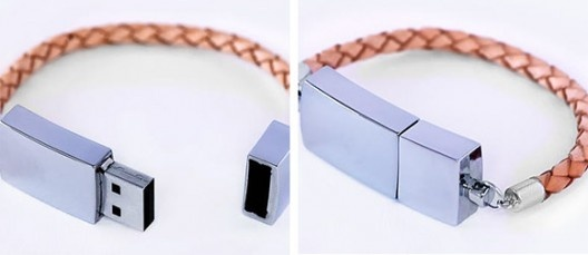 love this USB bracelet! I would so wear this.