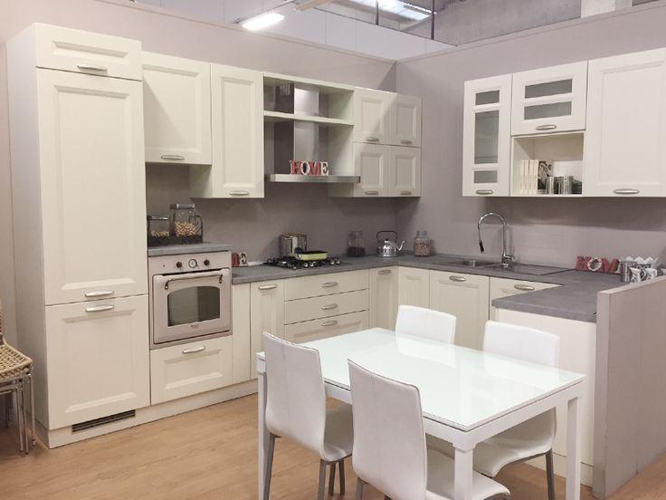 Cucina in legno avorio 03 in offerta a 4700 completa di for Mobili di marca in offerta