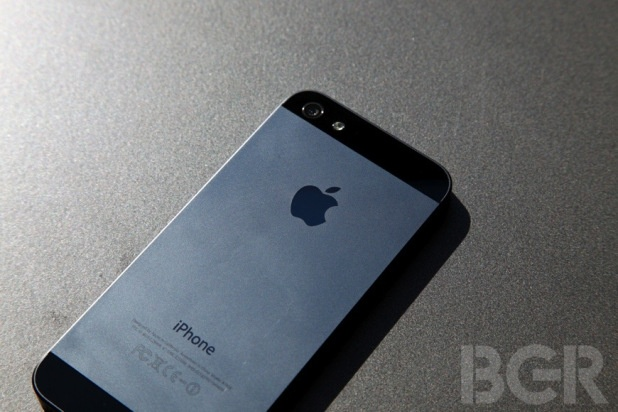 iPhone 5 now available with unlimited service, no contract on Walmart's $45 Straight Talk plan