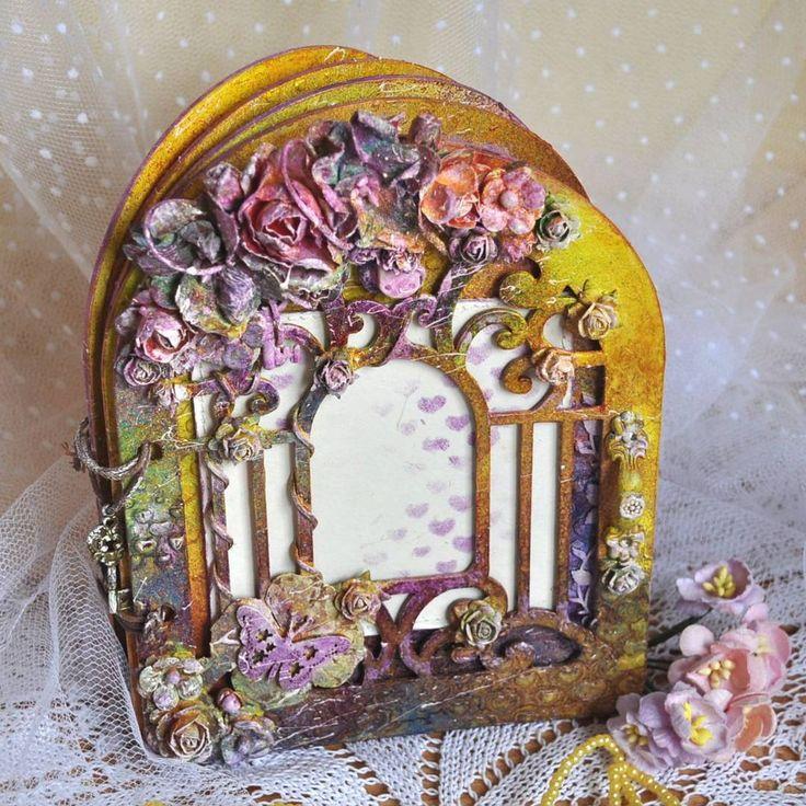 """Необычный фотоальбом """"Таинственный сад"""" в стиле микс-медиа — работа дня на Ярмарке Мастеров. Узнать цену и купить: http://www.livemaster.ru/delphin #handmade #art #alterbook #notebook #beautiful #interior #scrap #ooak #craft #scrapbook #livemaster #ярмаркамастеров #ручнаяработа #хендмейд #скрап #gift"""