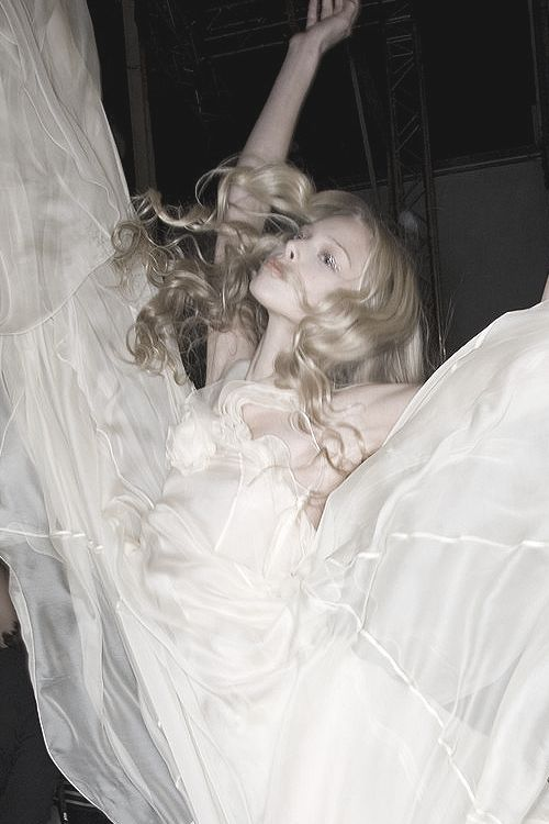 Tanya Dziahileva backstage at Sonia Rykiel | Spring 2008