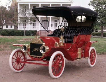 Ford w roku 1908... (Ford Model T - źródło: Pinterest)