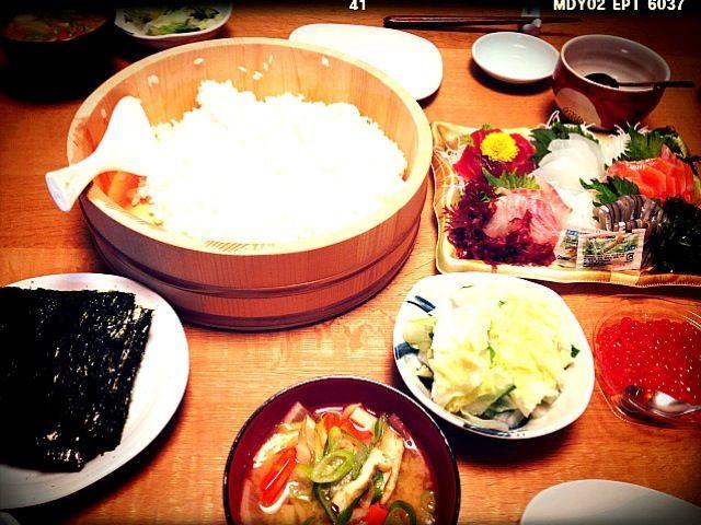2012/12/10/夜 プラス、白菜おひたし、 野菜モリモリ味噌汁。 本日も塩分摂りすぎ。 - 3件のもぐもぐ - 手巻き寿司 by tokochanphoto