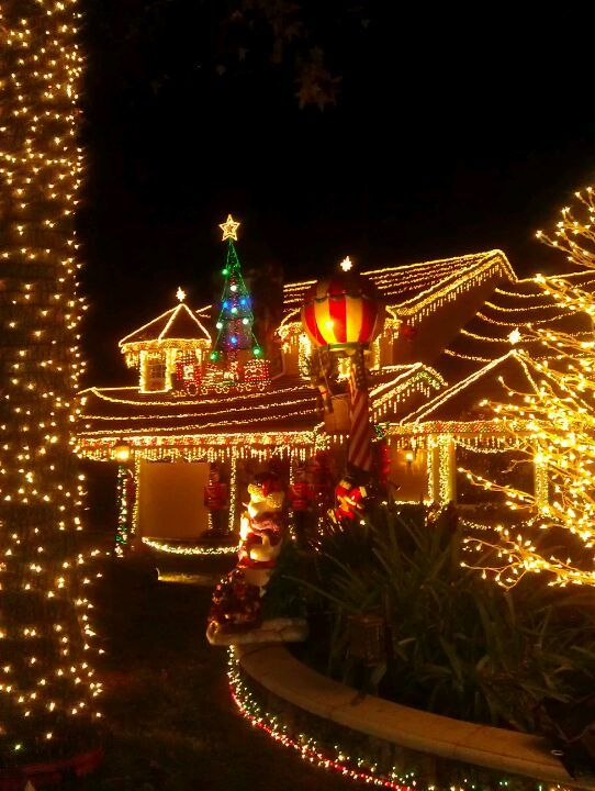 488 best Outdoor Christmas Decorations images on Pinterest | Outdoor ...