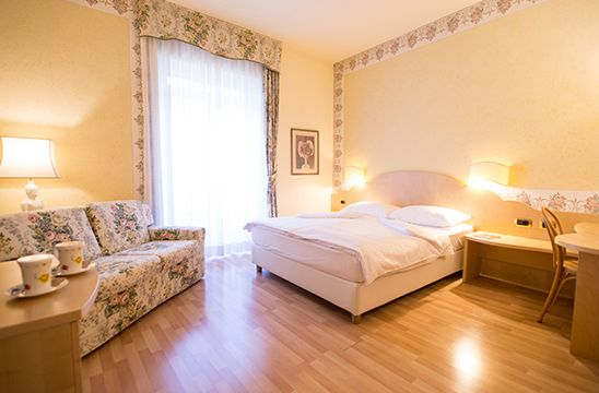 http://dreameat.it/it/living/hotel-america