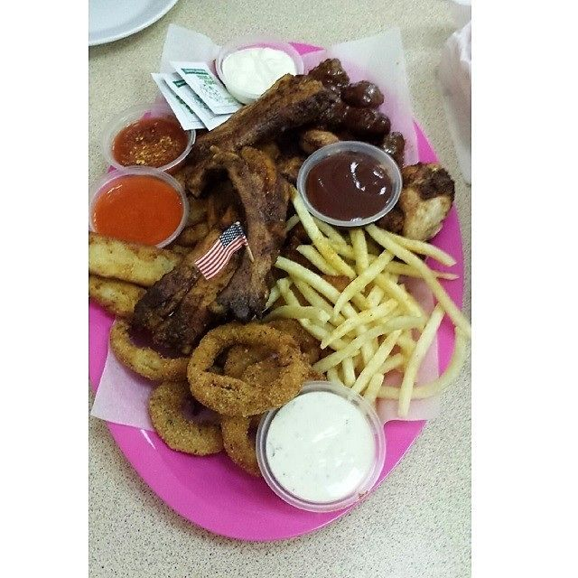 Mistys Diner - great unhealthy American food!