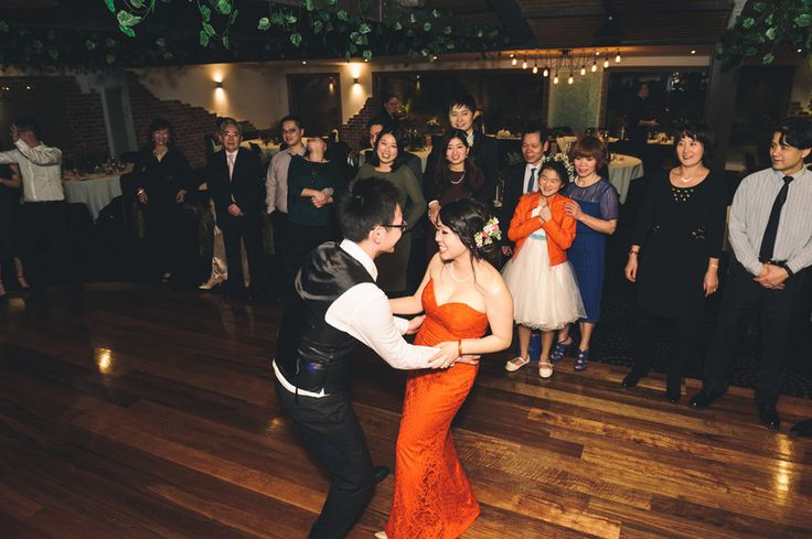 Potters Receptions Wedding and Corporate Events. Melbourne Wedding DJ, Wedding Live Band, Acoustic Duo, Master of Ceremonies and Dancer Studio.  Photography:  Qlix Photography