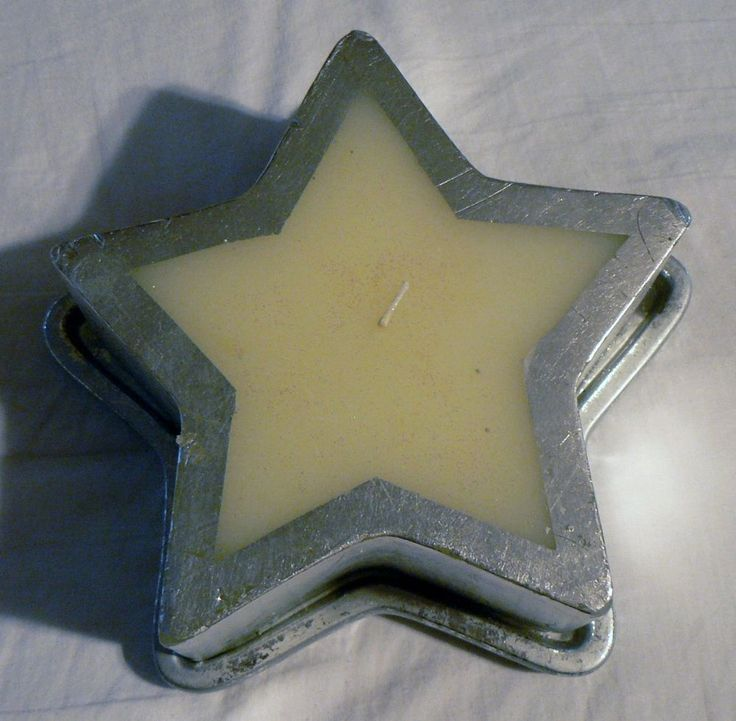 LARGE SILVER CHRISTMAS STAR SHAPED CANDLE WITH STAR SHAPE HOLDER 7X7X3 #Unbranded