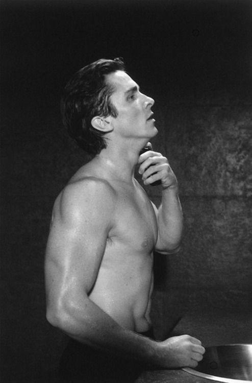 """Christian Bale. Fast alle Protagonisten aus """"American psycho"""" habe ich bei den hotties gepint. Sollte mir das zu denken geben?"""