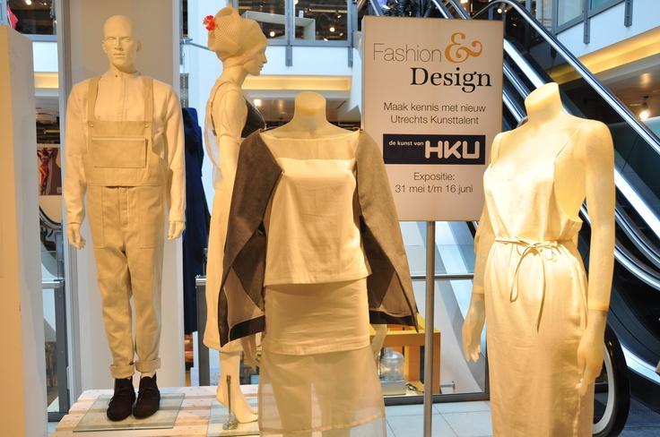 Van vrijdag 31 mei tot en met zondag 16 juni exposeren studenten en alumni van HKU in Bijenkorf Utrecht. Op verschillende plekken in de winkel is werk te zien van jonge talentvolle fashiondesigners, fotografen, grafisch ontwerpers en productdesigners. Meer info op www.hku.nl/bijenkorf