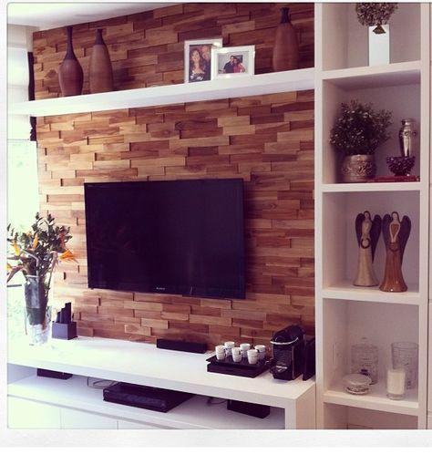 Painel com revestimento de madeira (parecem tijolinhos de madeira)                                                                                                                                                                                 Mais
