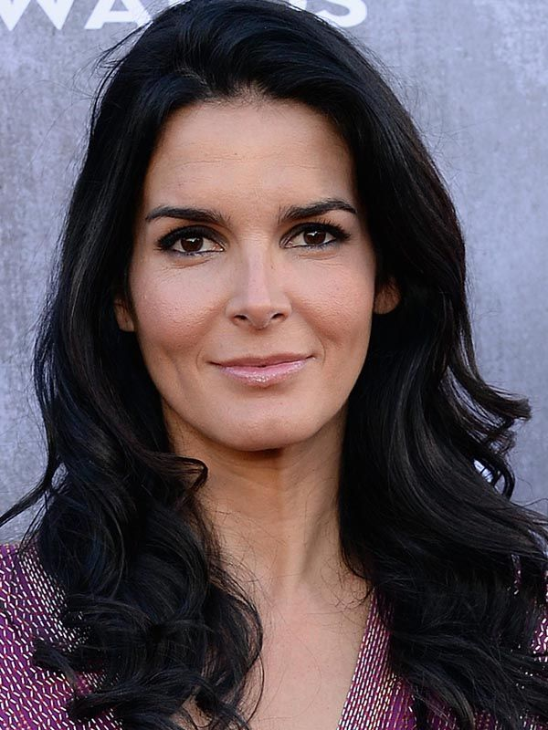 Hollywood Celebrity: Hollywood Hot Actress Angie Harmon