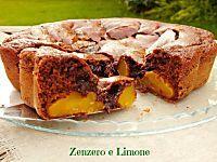 I crumpets sono delle morbide focaccine perfette per la colazione o la merenda. Ottime spalmate con marmellata, nutella, miele o anche formaggio cremoso.