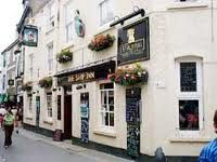 Ye Olde Salutation Inn Looe - This traditional pub is full of character and offers a good range of quality bar meals and light bites. Dogs welcome in the bar.