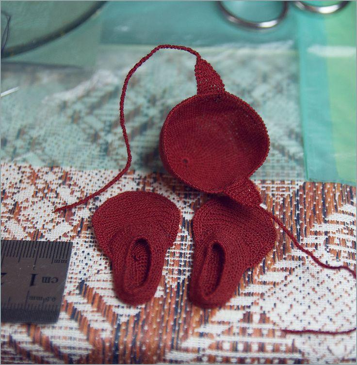 Вязаные ласты и купальная шапочка для куклы :))) Автор - Шабурова Ксения.