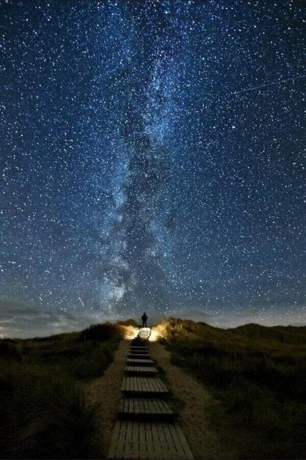 The road to Heaven - a place in Ireland where every two years the stars align with the road.Buckets Lists, Heavens Trail, Ireland, Call Heavens, June 1018, Stars, Beautiful, Places, Night Sky