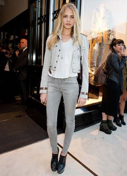 Cara Delevingne Style - Best Dresses and Fashion Outfits ...