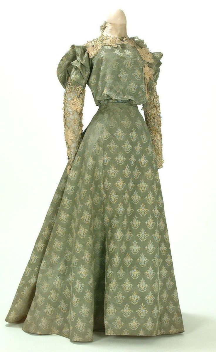 Day dress ca. 1895-1900