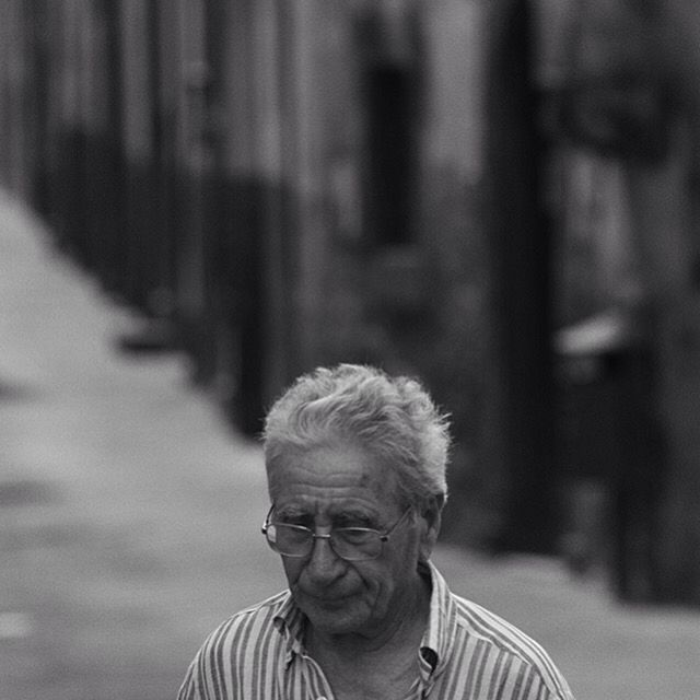 Italian walking in Lucca.