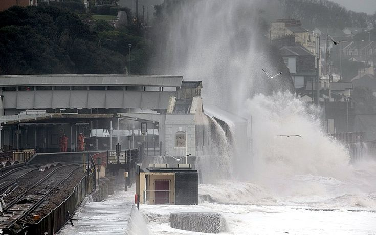 In pictures: storms batter Britain - Telegraph