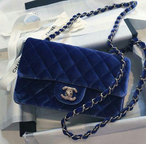 thisischic:   uh-la-la-land:  Velvet blue  {fashion, couture, manhattan, love}