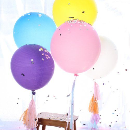 Celebrate your summer occasion with colorful giant balloons!