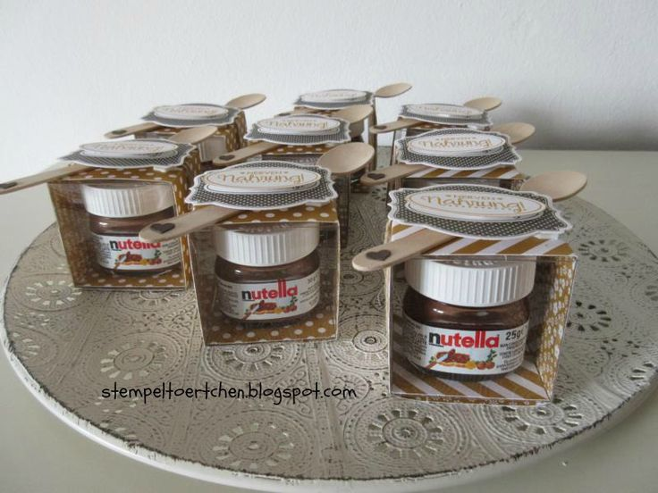 Nervennahrung kann man doch zwischendurch immer mal gebrauchen. Ich habe heute mal ein paar Mini-Nutella-Gläser hübsch verpackt. Verwend...