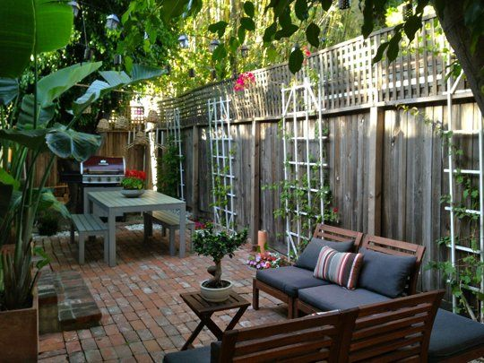 114 best images about yard designs on pinterest gardens for Apartment yard design