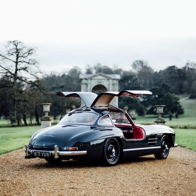 Tracking Values Of The Mercedes Benz 300sl Roadster Mercedes Mercedes Benz Benz