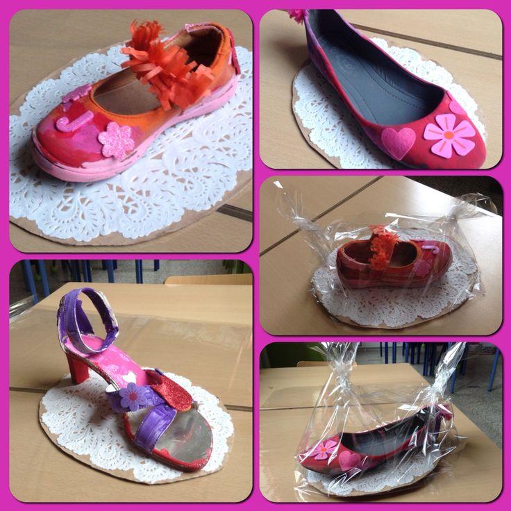 Thema Ridders en Prinsessen - oude dames schoen verven en versieren. Hun eigen prinsessenschoentje... Assepoester