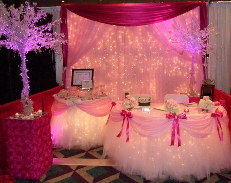 tutu hearts princess tiaras photo booth | Fiestas infantiles: Ideas para un centro de mesa de princesas