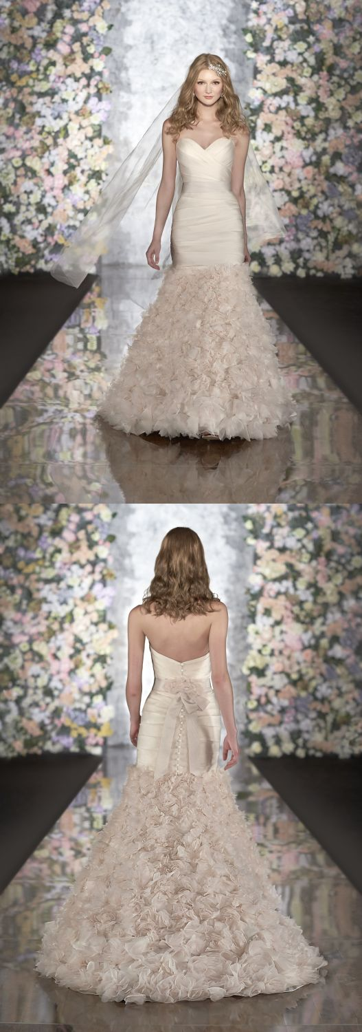Cute #wedding dress although its too princessy for me!