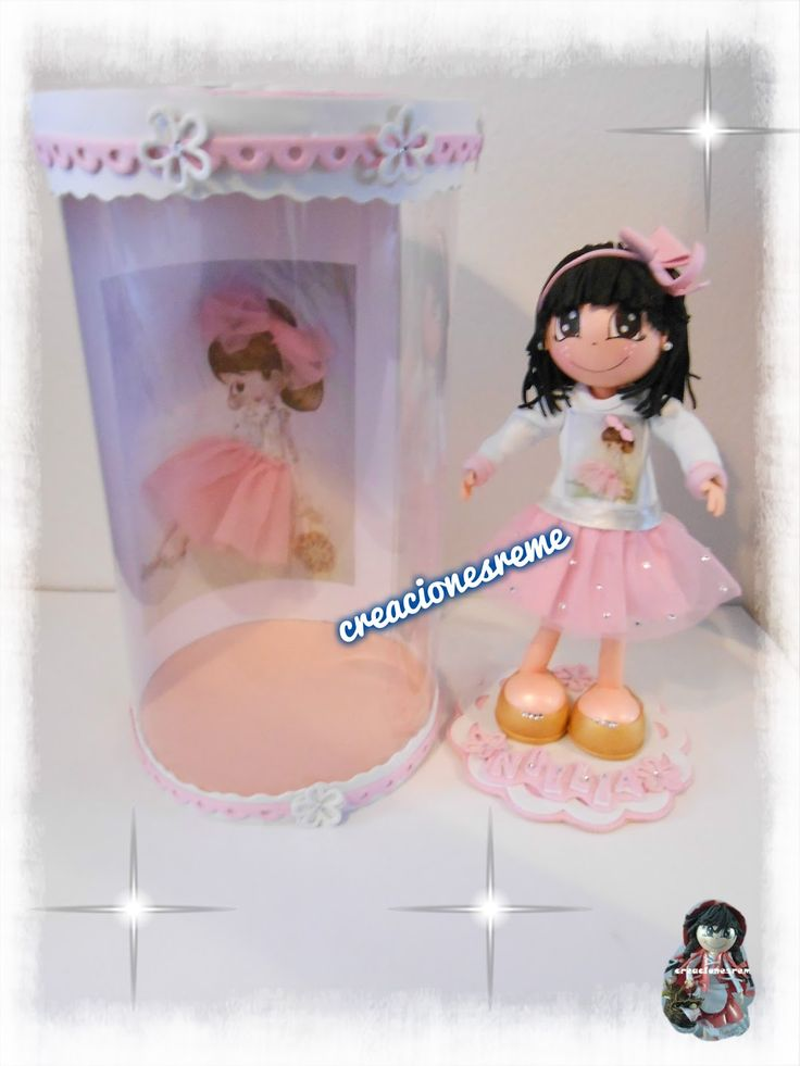 muñeca-goma-eva-personalizadas-fofuchas-alcala-muñeca-bailarina-cajita-de-fofucha. fofucha niña vestida de bailarina con tutu y manoletinas doradas