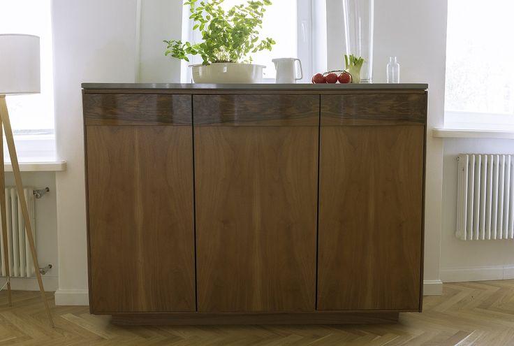 """Komoda w kuchni? Czemu nie! New Mono Design - Kuchnia """"Gropius"""", połączenie stylu Art Deco z funkcjonalnością nowoczesnej zabudowy kuchennej"""