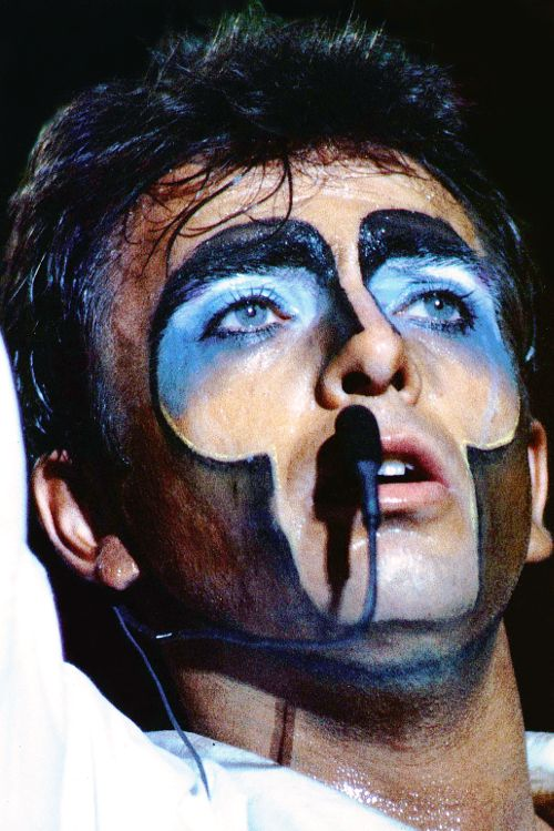 Peter Gabriel. Saw him twice at the Cleveland Music Hall, albums #2 and #3.