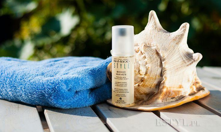 Klara testowała dla Was spray do włosów #Alterna #Bamboo Boho Waves  i w tej recenzji przedstawi Wam swoją opinię na temat testowanego kosmetyku. Głównym zadaniem mgiełki jest nadanie włosom tekstury, objętości oraz efektu plażowych fal. Kosmetyk bazuje na certyfikowanych składnikach roślinnych i nie był testowany na zwierzętach. Spray Bamboo Boho Waves oraz pozostałe kosmetyki z serii Alterna Bamboo możecie kupić w sklepie Estyl.pl