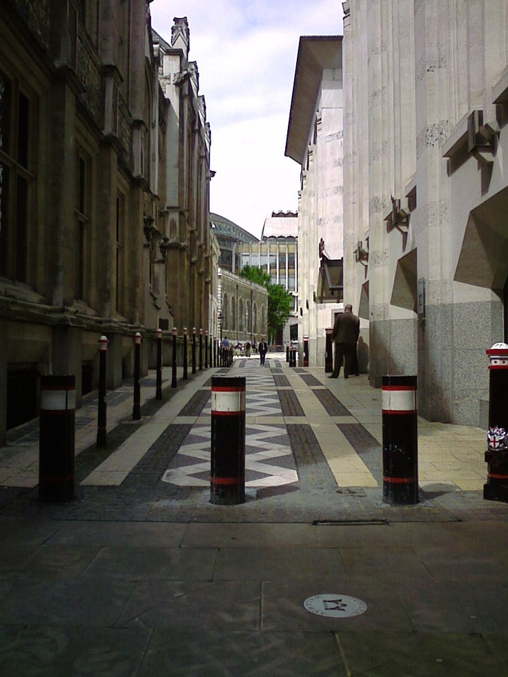 A Courtyard entrance to The Guildhall in the City Of London.London Cab, Courtyards Entrance, The Cities, Cab Driver, Danny Kemp
