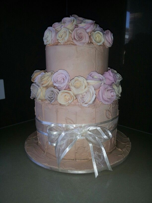 Antique roses wedding