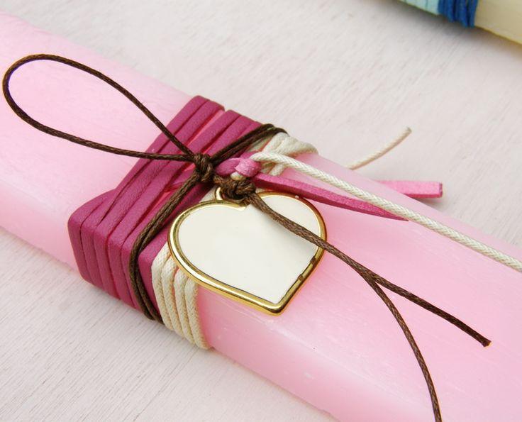 lb4153-1 {13,90 €} λαμπάδα από χοντρό χειροποίητο αρωματικό κερί με σχοινιά και καρδιά με σμάλτο υψηλής ποιότητας ΛΕΠΤΟΜΕΡΕΙΑ