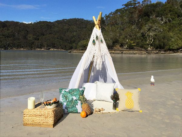 DIY Tropical Grace Teepee: The romantic breakfast! in English and en Français!