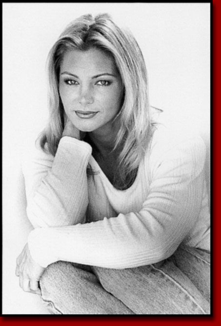 Raye Hollitt | Raye Hollitt | Sports women, American ...