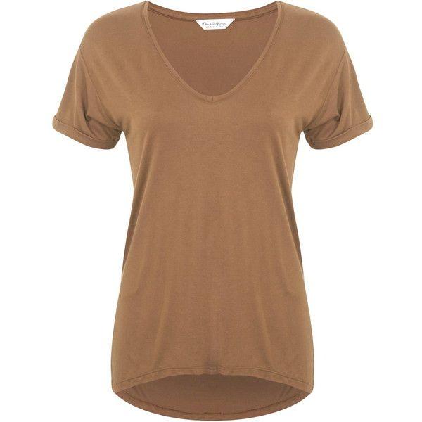 Miss Selfridge Tan Longline V Tee (83 BRL) ❤ liked on Polyvore featuring tops, t-shirts, shirts, tan, beige t shirt, long line tee, tan t shirt, tan top and long line shirt